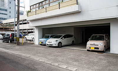 ホテル駐車場